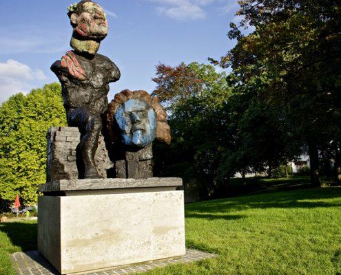 """Am alten Zoll in Bonn, Denkmal von Markus Lüpertz, Die """"Hommage an Beethoven"""""""