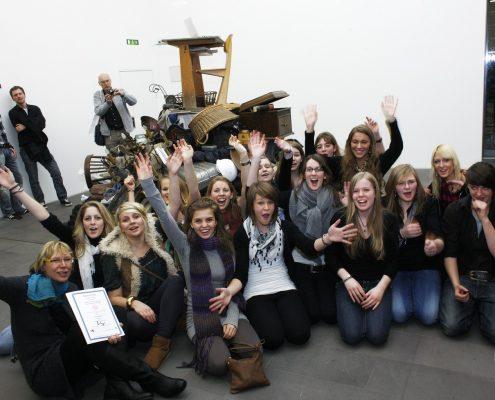 Jubel über den 1. Preis, Eichendorff-Gymnasium Bamberg, © MKM Museum Küppersmühle für Moderne Kunst, Foto: Georg Lukas