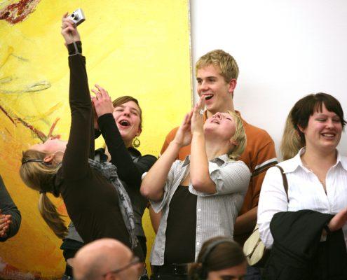 Jugend interpretiert Kunst im MKM Museum Küppersmühle für Moderne Kunst, 2005 © Stiftung für Kunst und Kultur, Foto: Georg Lukas, Essen